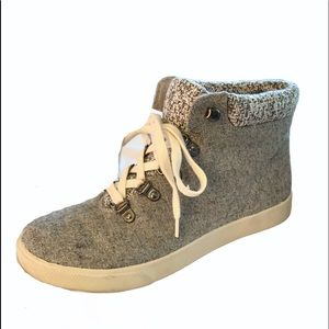 So Authentic American Heritage Gray Sneakers  7.5